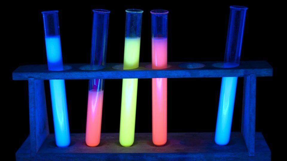 Fluorescence iStock 000005567675Large